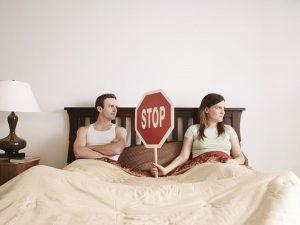 5 mối nguy hại cho sức khoẻ nam giới khi bỏ bê 'chuyện phòng the'